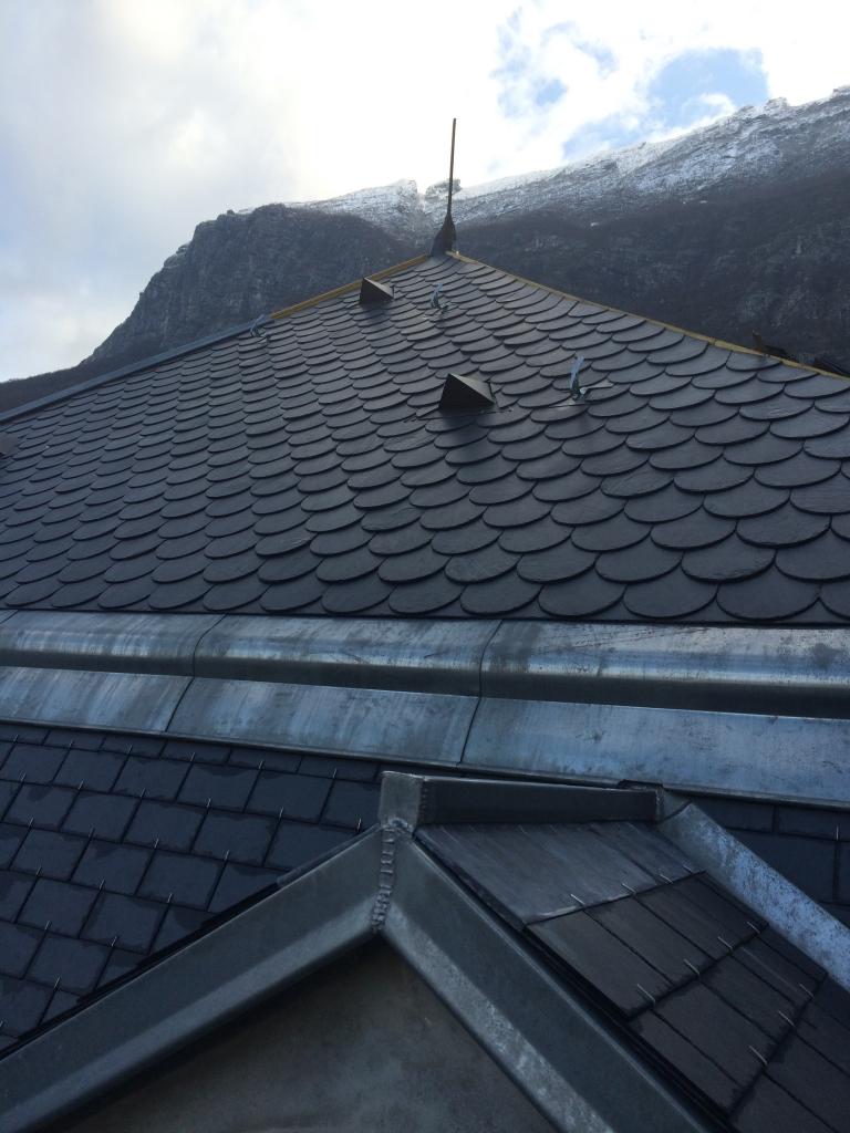 Byland co r fection ardoise toiture couverture ch teau du muret saint egreve 2014 for Refection toiture